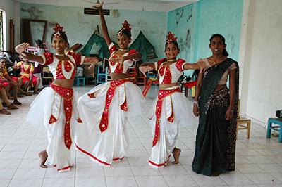 Freude-durch-Tanzunterricht-im-Lions-Zentrum