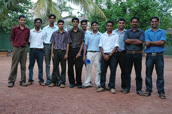 Gruppe-unserer-Ingenieurstudenten